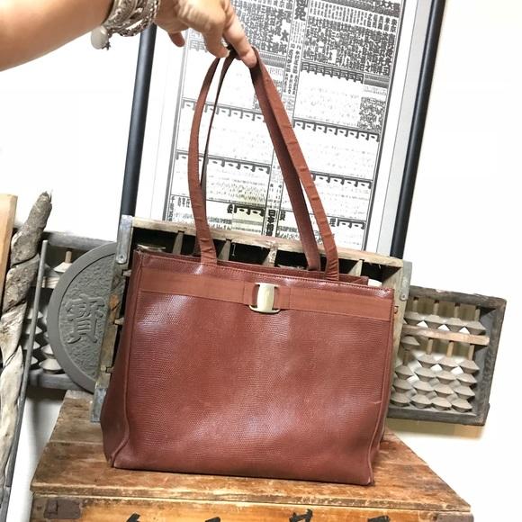 65e1e1bd52 Vintage Salvatore Ferragamo lizard Vara bow bag. M 5b6acbbcbaebf63270be30d4